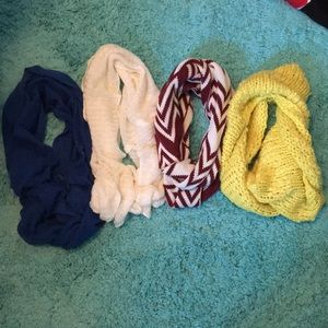 LOT of 4 knit circle scarves